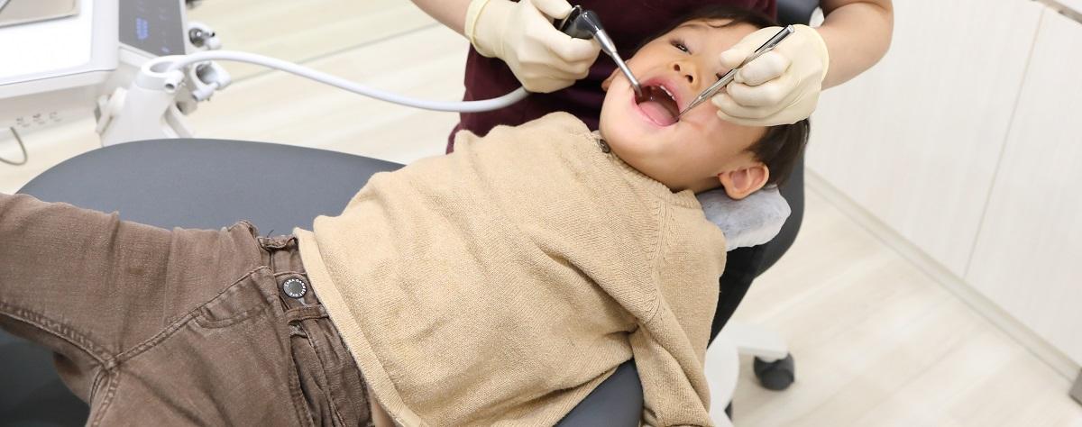 子供が歯医者で暴れる対処法