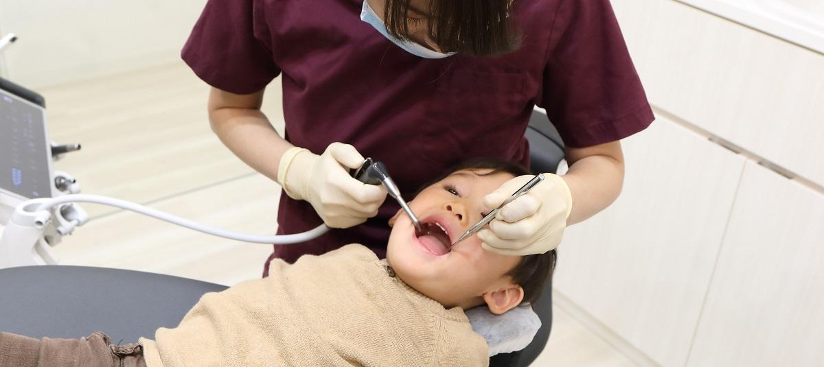 子供は何歳から歯医者さんへ行けばよいでしょうか?